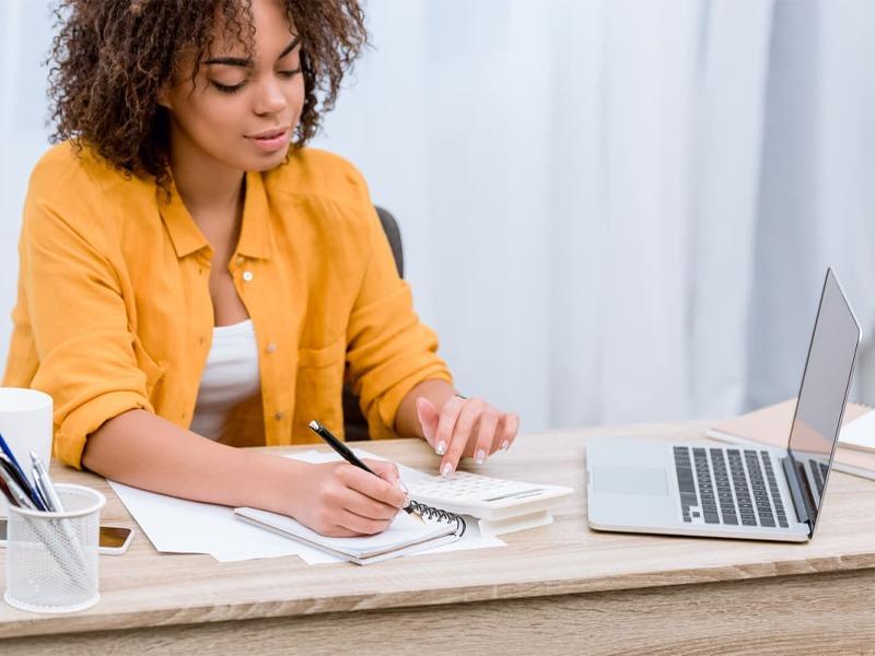 Aprender Inglês online: 4 melhores benefícios